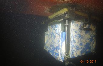 Cofferdam-box-installation-on-vessel