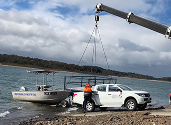 Occupational Diving Team unloading boat at Cardinia Reservoir