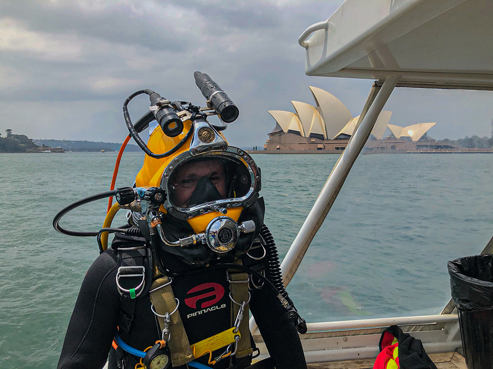 Commercial diver in Sydney Harbour