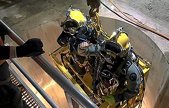 PDS diver lowered into head race tunnel