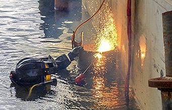 PDS Diver welding pile