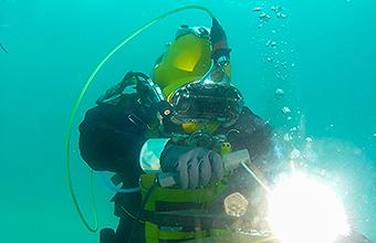 Underwater welding diver